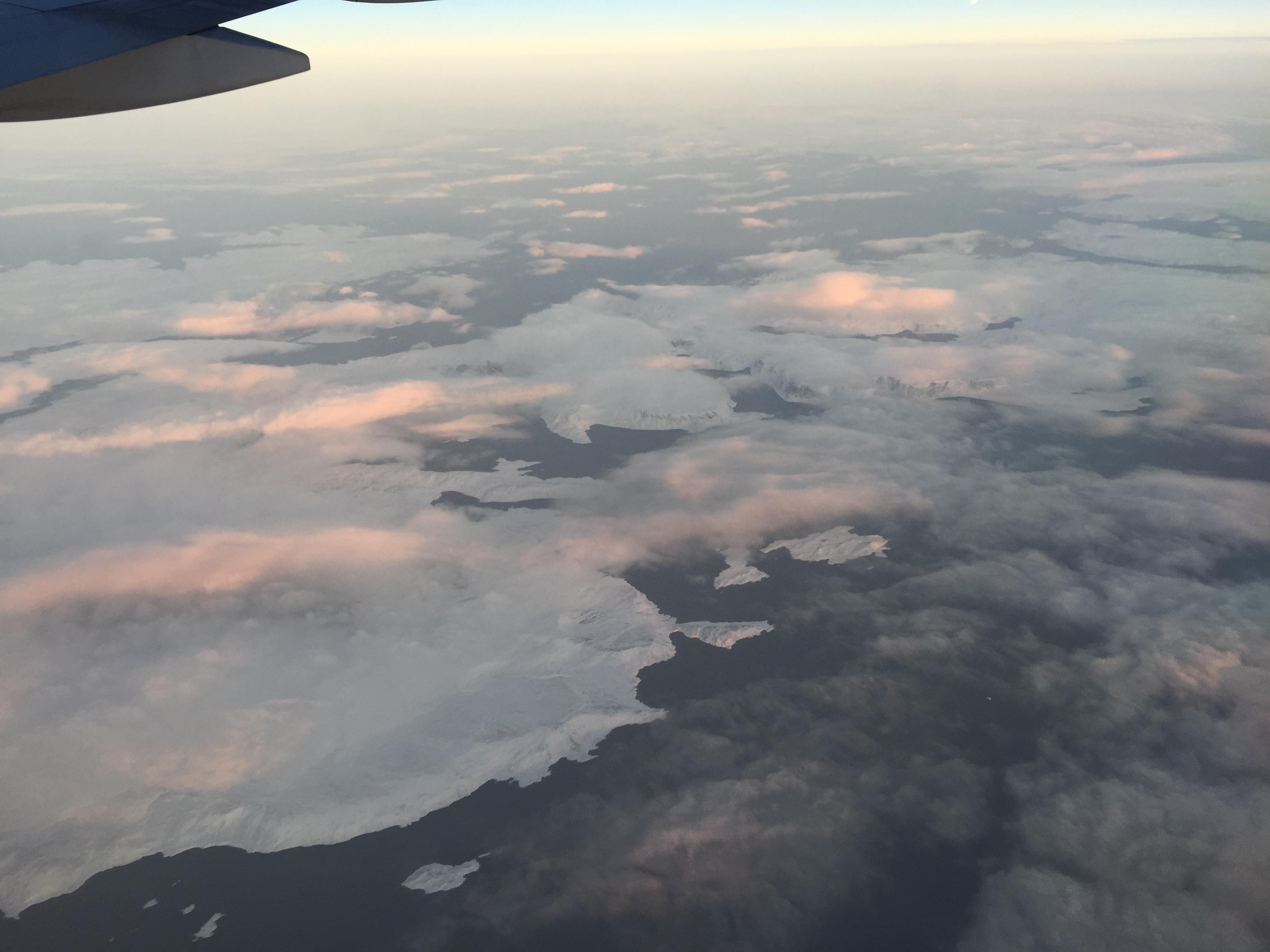飞跃北冰洋