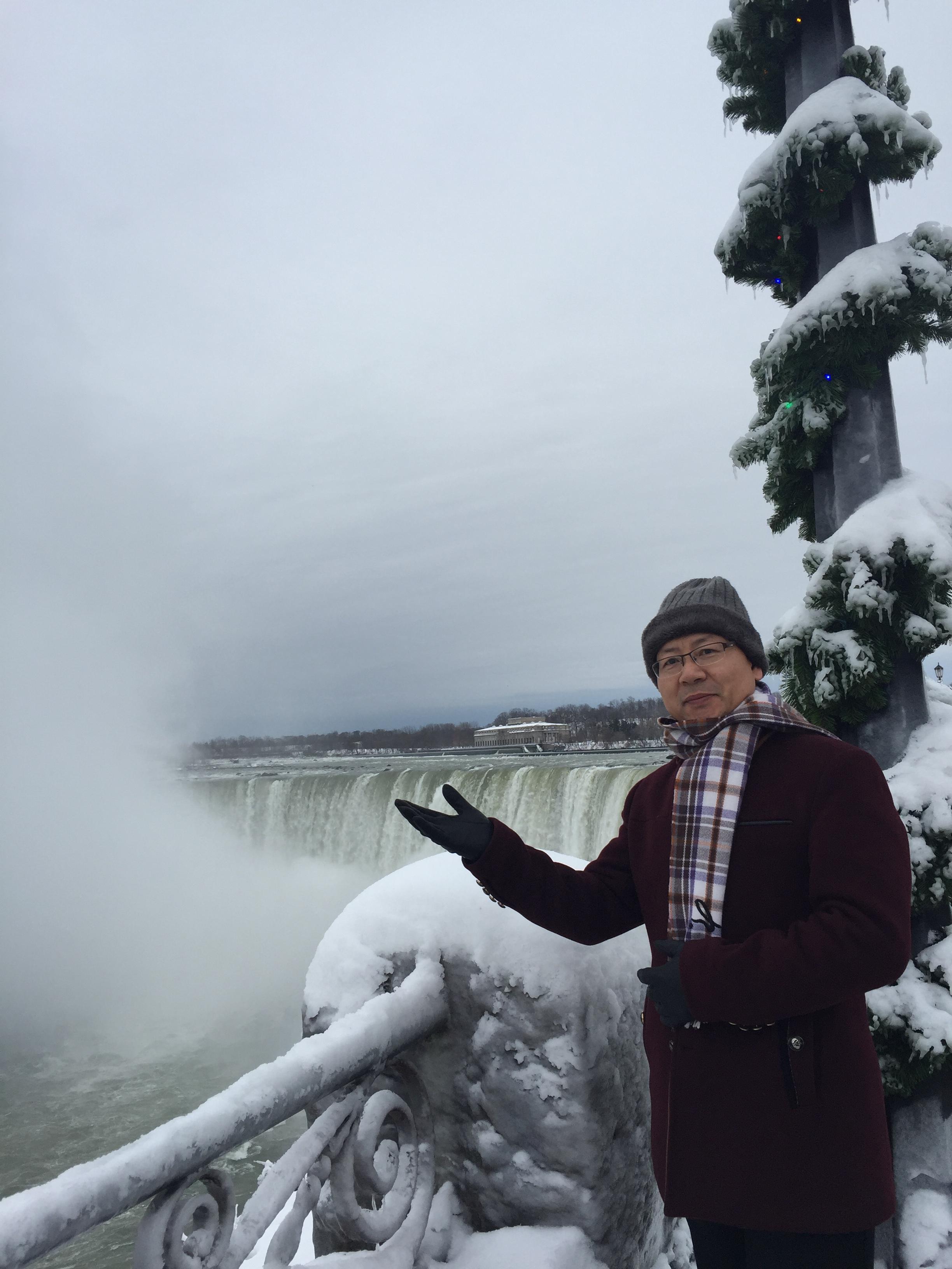 2017圣诞节的Niagara瀑布美丽雪景